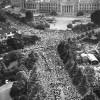 [画像あり]55年前の国会前と今日の国会前を比べてみた